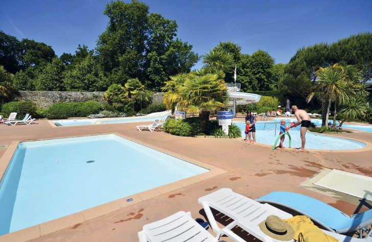 Chateau de Galinee Family Pool Parc
