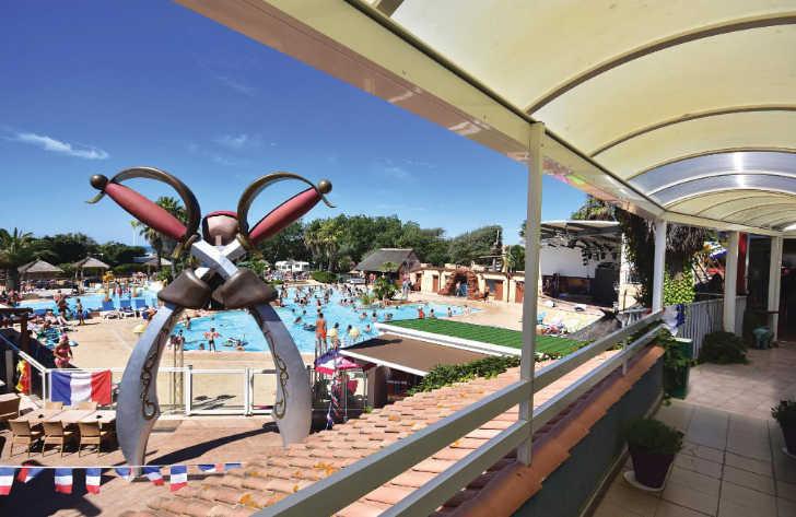 Club Farret Pool Complex
